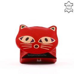 Valódi bőr felhasználásával készült cicafej formájú gyerek bőr pénztárca kézzel festett külsővel, piros színösszeállításban.