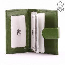 A minőségi valódi bőr kártyatartó divatos modell, melyben praktikusan és biztonságosan elhelyezheti bankkártyáit és névjegykártyáit.