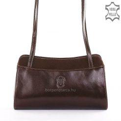 Minőségi bőrből készült Sylvia Belmonte márkás, kis méretű női bőr táska, igazán kellemes barna színű külsővel. Megbízható kivitelben!