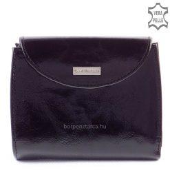Ez a bőr női divat pénztárca kívül elegáns fényes exkluzív bőrből, belül fekete színű, színében harmonizáló puha nappa bőrből készült.