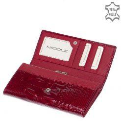 Minőségi, piros, fényes lakk, croco bőrbőlkészült, elegáns és dekoratív megjelenésű női pénztárca, fedelén igényes, fém NICOLE logóval.