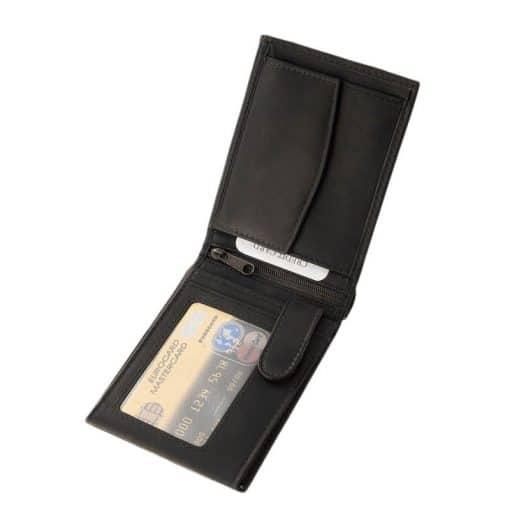 Minőségi kivitelben készült klasszikus hatású LA SCALA férfi bőr pénztárca, természetes valódi bőrből gyártva. Külső átkapcsoló pánt nélkül.