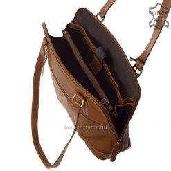 Sportosan elegáns megjelenésű, klasszikus felépítésű praktikus női bőr táska, mely barna színű természetes fényű valódi marhabőrből készült.