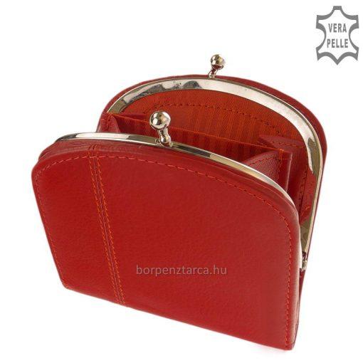 Puha minőségi bőrből készült kis méretű női valódi bőr pénztárca fém kerettel, mely dekoratív kapoccsal záródik a legújabb divat szerint.