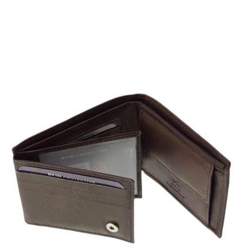 Kellemes, finom tapintású bőrből gyártott kisméretű férfi bőr pénztárca a LA SCALA márkacsaládtól, amely RFID védelemmel készült.