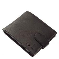 Chioco márkájú valódi bőr felhasználásával készült, klasszikus fazonú férfi pénztárca fekete színben, amelynek külseje szolidan elegáns.