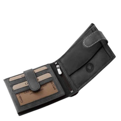 Különleges felületi dizájnnal gyártott valódi bőr férfi pénztárca, mely fekete színben készült kamion mintás benyomattal fedelén.